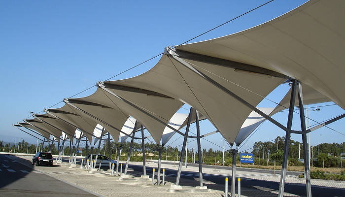 Tensioned membrane roof for Aveiro's Makro parking