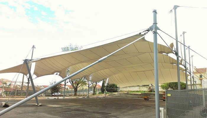 Tensioned membrane roof for Frei Goncalo Azevedo School